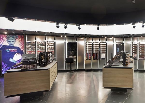 cosmetics store chain