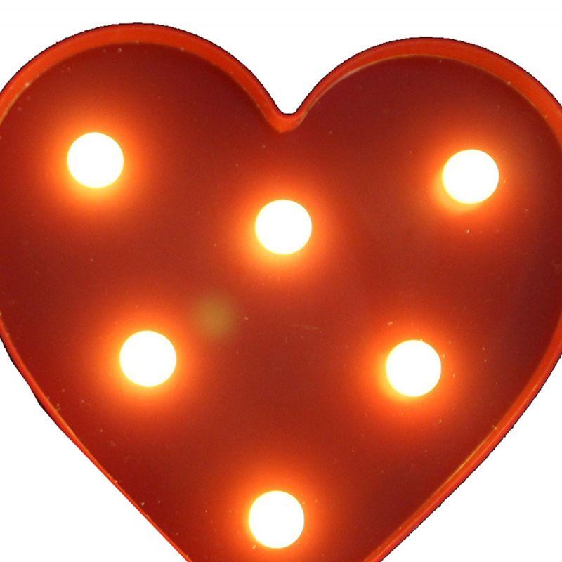 לב LED